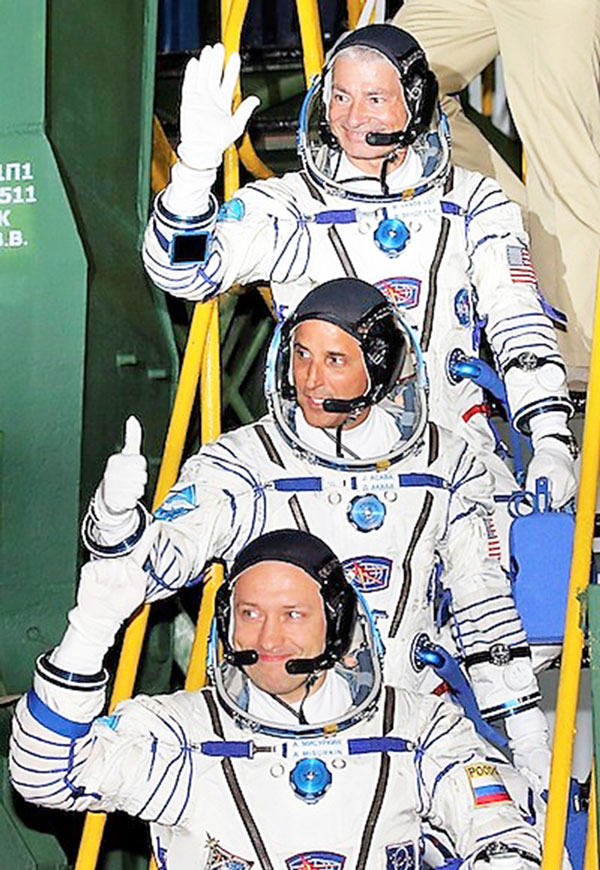 Two Americans and one Russian launch to ISS