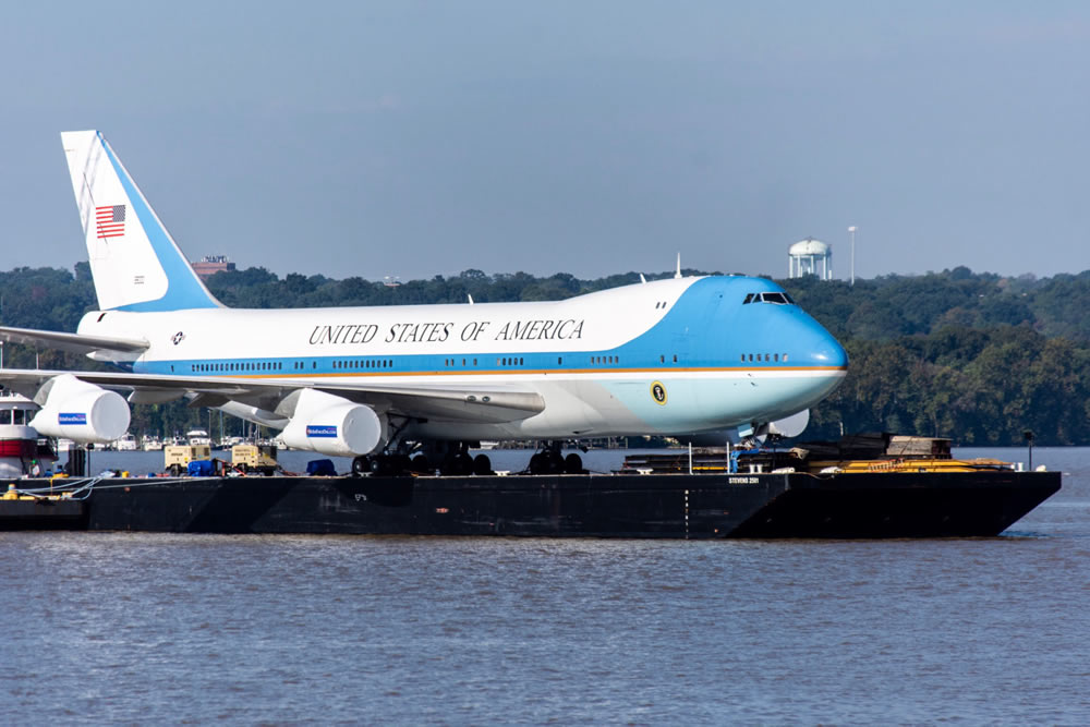 Air Force One replica