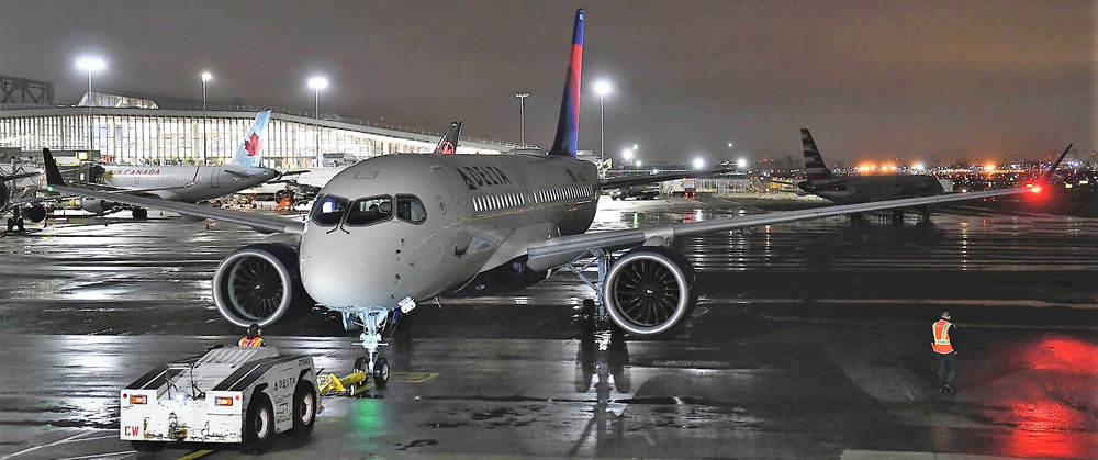 Delta A220 first scheduled flight
