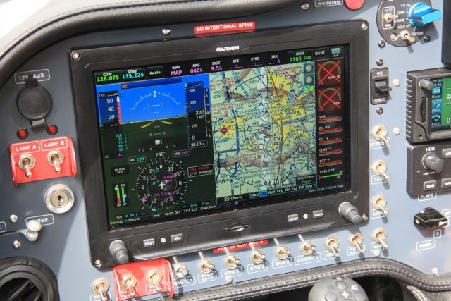Dual Garmin G3X installations, a calibrated fuel flow system and digital management of the Rotax 915 iS