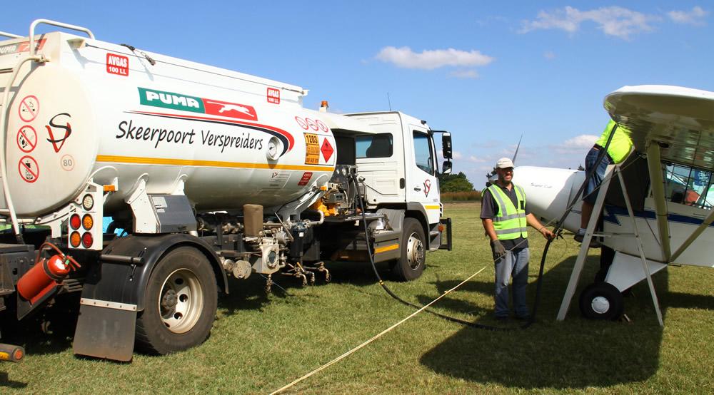 Skeerpoort Verspruiders refueling truck