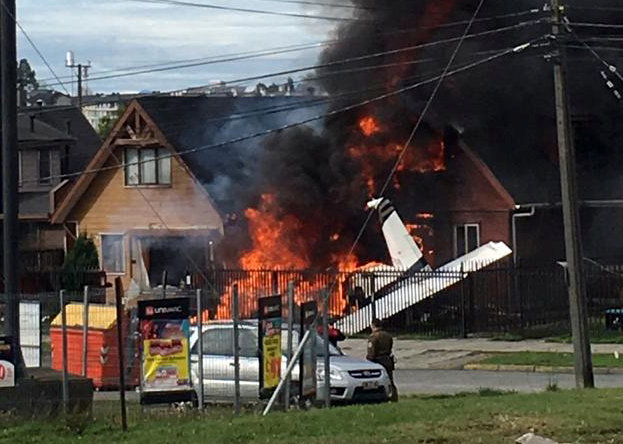 Plane hits house in Chile