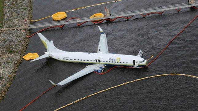 Florida Boeing 737 skids off runway