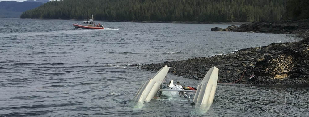 Tourist seaplanes mid-air collision