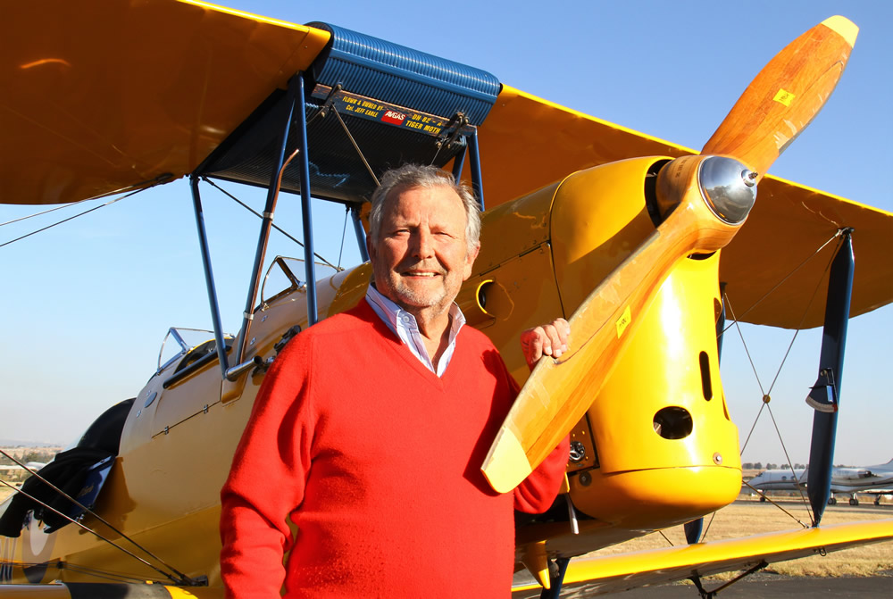 Jeff Earle with his 75 year old Tiger Moth
