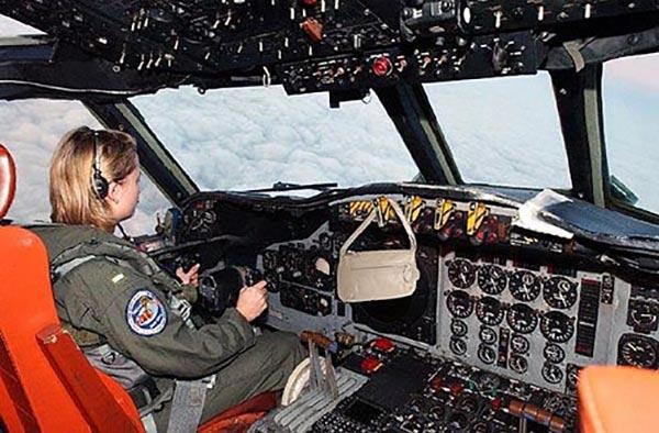Lady pilot's purse
