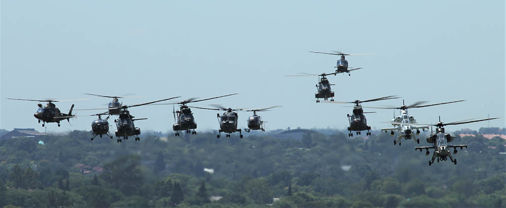 21 Helicopters in formation