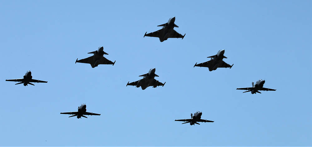 Gripen and Hawk formation