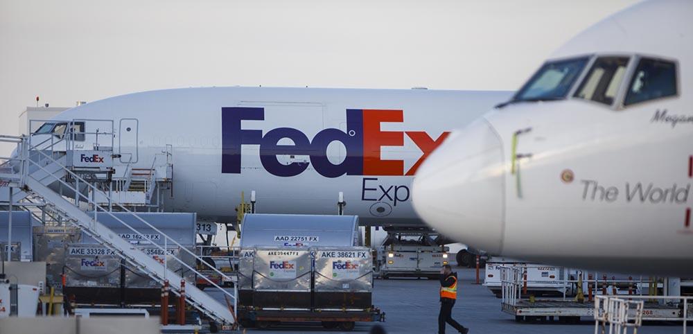 FedEx airlines